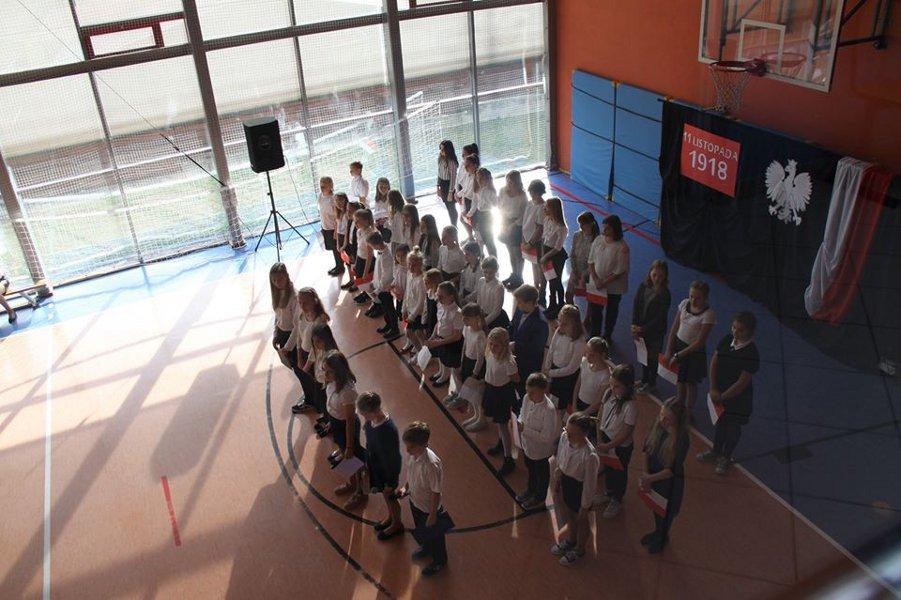 uroczysta akademia z odśiewaniem Hymnu Polski