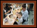"""Zdjęcia dzieci i rodziców klasy 1c podczas warsztatów świątecznych"""" height="""